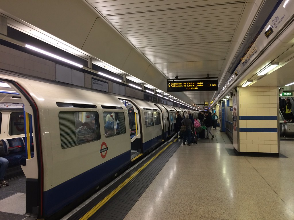 how to get to heathrow terminal 3 by tube
