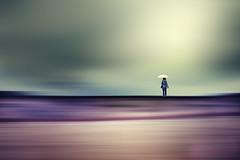 buscando mundos perdidos... (idlphoto) Tags: woman umbrella lost mujer lonely paraguas perdido idlphoto