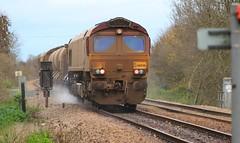 Newark (Diesel Dude.) Tags: uk england canon eos flickr crossing diesel loco junction east locomotive newark dslr nottinghamshire midlands dbs notts tmd 2103 class66 ews toton 100d rhtt 66046 dbschenker totontmd 3j88