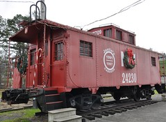 Coeburn, Virginia (2 of 6) (Bob McGilvray Jr.) Tags: park railroad red public train virginia nw display steel tracks caboose va cupola norfolkwestern nickelplateroad nkp coeburn justinscaboose