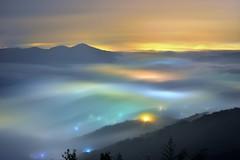 九份二山~夢幻雲海琉璃~   Colored glass light Clouds (Shang-fu Dai) Tags: 台灣 taiwan 南投 九份二山 clouds nikon d800e sky 雲海 琉璃光 coloredglasslight liulilazurite landscape formosa nightscene nantou