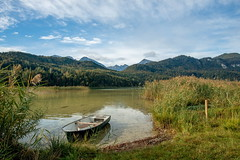 Am Weissensee (impossiblejoker) Tags: see lake weissensee bayern bavaria boot boat landschaft landscape berge mountains himmel wolken sky blue clouds natur nature d610 nikon