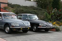 Duo de Citroen DS (macadam67) Tags: voituresanciennes oldcar altenwagen show carmeeting meeting alsace elsass weyersheim citroen frenchcar frenchtouch duo ds