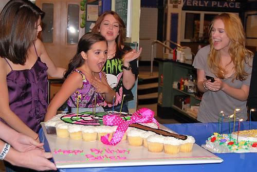 20-polkatots cupcake cakes