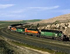 Providence WA Sunday April 9th 2000 1610PDT (Hoopy2342) Tags: train rail railway railroad providence washington wash wa bnsf burlingtonnorthernsantafe scablands