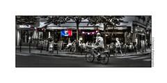 P2030502 (cowsandgirl71) Tags: panasonic paris fz200 france scènederue couleur sélective bleu blanc rouge vélo bike bistrot