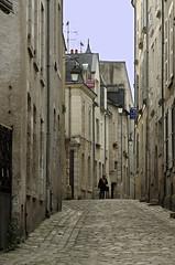 Blois (Loir-et-Cher) (sybarite48) Tags: blois loiretcher france ruelle gasse alley   callejn  vicolo  steeg aleja beco  geit rue strase street   call  strada straat ulica rua  sokak ville city stadt   ciudad  citt  stad miasto cidade  ehir