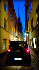 Narrow. (Papa Razzi1) Tags: 8298 2016 331365 street sweden stockholm narrow jeep november early empty xperiax