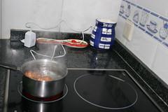 huevos (Jusotil_1943) Tags: huevos cazo hervir hirviendo cocina vapor salero