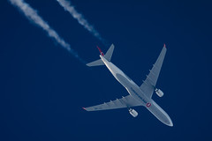 Turkish Airlines Airbus A330-303 TC-JOI (Thames Air) Tags: turkish airlines airbus a330303 tcjoi contrails telescope dobsonian overhead vapour trail