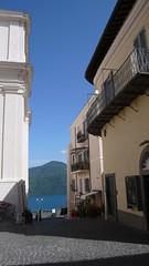 Castel Gandolfo (Nevica) Tags: italy architecture italia balcony negozio collina ballustrade albano castelgandolfo