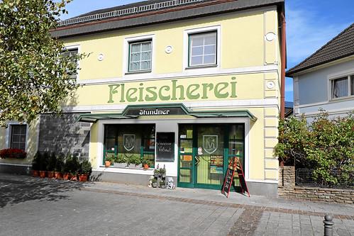 Weistrach