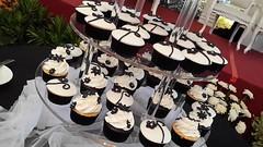 Black White Buttercream and Fondant Wedding Cupcakes - Jakarta (cupcakesjakarta) Tags: wedding white black cake cupcakes weddingcake jakarta elegant putih hitam chocoholic cantik pernikahan weddingcupcakes mewah cupcakesjakarta pejatenvillage kuepengantin