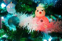 Merry Christmas (messinnicolas) Tags: christmas light snow tree cute nature 30 canon eos snowman interieur sigma noel fete lumiere neige fte arbre efs guirlande sapin bonhomme boule magie artificiel bonhommedeneige 30mm 70d focalefixe