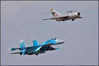MiG-15UTI + Su-27