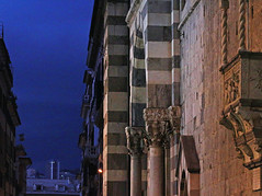 blue hour (ludi_ste) Tags: blue blu medioevo middleage cattedrale cathedral genova genoa