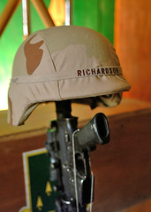 An Honor Guard prepares to fire a 21 Gun salute (USARCENT) Tags: honorguard 21gunsalute memorialservice acompany 1stbattalion 41stinfantryregiment 2ndbattalion 70tharmoredregiment 3rdbrigade 1starmoreddivision 2ndplatoon cicibarcanal no mullafayad iraq thunderbolts taskforce270 41stinfantry 141 operationiraqifreedom 270 oifiii marne 3rdid 3rdinfantrydivision 1starmordivision armor ftriley