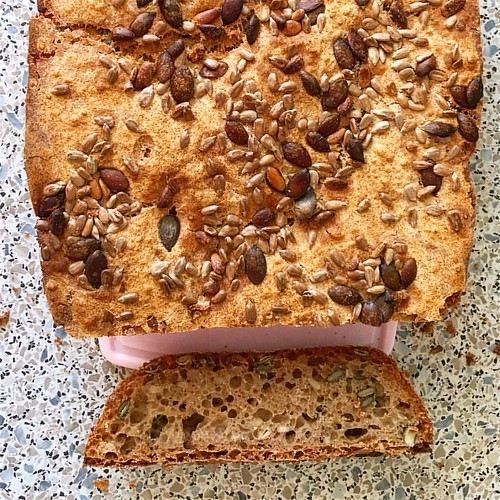 Mein erstes selbst gebackenes Brot 😃   (keine Backmischung und ohne Brotbackautomat)