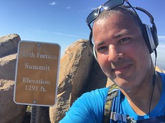 North Fortuna Summit at 1291 ft. (Blue Rave) Tags: iphonephotography iphoneography sandiego nature trail missiontrailsregionalpark fortunamountaintrail 2016 self myself ego me bloke dude guy male mate people selfie sign boseheadphones headphones headset trailsign california ca