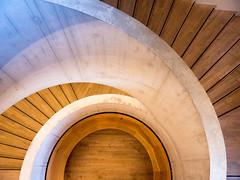 Tate Modern (Mad Blike) Tags: panasonic panasonicgx8 panasoniclumix lumixgvario1235f28 angleterre england london londres musée museum muséedartcontemporain museumofmodernart tatemodern escalier stairs escalierenspirale spiralstaircase