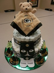 Green Bay Packers diaper cake (1hobbyolic) Tags: diaper cake greenbaypackers baby shower peepee teepee