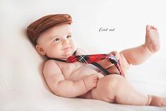 Ulises  <3 (Coral ML) Tags: beb baby nio sesin luz juguetn children kids sonrisa corbata boina elegante recuerdos pequeo buenazo fotos sesiones momentos vida life