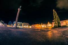 Greeting (bela.more) Tags: trondheim torget christmastree olav tryggvason greeting night citylights