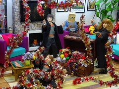 Christmas Decorating Made Easy (MiskatonicNick) Tags: toyville christmas 2016 harrypotter starace baghead diorama hermione granger 16 sixthscale playscale ronweasley