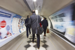 48/52 (2016): Hurry hurry (Sean Hartwell Photography) Tags: holborn undeground tube movement london londonunderground lul centralline travel trainstation train commuting commuters england uk