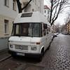 gewohnt und mobil Nr. 147 / Innstraße / Neukölln (galibier2645) Tags: gwb guesswhereberlin gewohntundmobil kopfsteinpflaster mercedes wohnmobil 407 guessedberlin gwbartie innstrase neukölln
