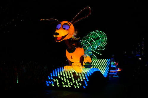 "Slinky Dog in the Paint the Night Parade • <a style=""font-size:0.8em;"" href=""http://www.flickr.com/photos/28558260@N04/20662618116/"" target=""_blank"">View on Flickr</a>"