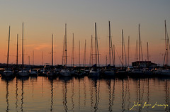 Sozopol (Erre Taele) Tags: sunset sea mer boats mar barcos bateaux bulgaria blacksea bulgary sozopol txalupa itsasoa ilunabarra atredecer mernoire marnegro tombeedujour itsasobeltza