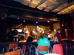 Genovesi (dinaalb) Tags: de arte guitarra piano jazz vida dina bateria msica artes bandejas bitcora contrabajo msicos trompeta visuales vinilos
