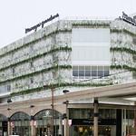 百貨店跡地の再生商業施設 「ユナイトメントストア」の写真