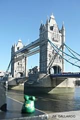 Rana viajera - London (Polycarpio) Tags: inglaterra travel viaje bridge england london puente europa europe unitedkingdom united kingdom frog londres rana reino unido reinounido