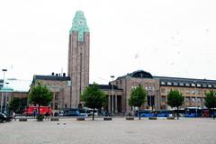 Central Railway Station (DSLEWIS) Tags: finland suomi helsinki baltic balticcruise koningsdam architecture railway station bahnhof centralrailwaystation saarinen