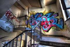 Spook (urban requiem) Tags: spook tag graf graffiti escalier stairs treppe staircase urbex urban exploration abandonn abandoned verlaten verlassen lost old decay derelict hdr 600d 816 sigma allemagne germany deutschland sana sanatorium sandmnnchen sanatoriumsandmnnchen