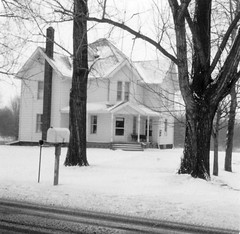 House (neshachan) Tags: family familyphotos house building architecture snow