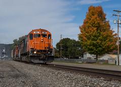 Fall Colours Starting to Show (Joseph Bishop) Tags: wnyp westernnewyorkpennsylvania olean ny 685 mlw alco c636 trains train track tracks railfan railroad railway rail rails