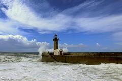 Faro do Foz (IVAN 63) Tags: fozdodouro oporto portugal porto portogallo sea beach bay sky