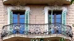 Barcelona - Mallorca 207 b 2 (Arnim Schulz) Tags: modernisme barcelona artnouveau stilefloreale jugendstil catalua catalunya catalonia katalonien arquitectura architecture architektur spanien spain espagne espaa espanya belleepoque window fenster ventana finestra fentre art arte kunst baukunst modernismo gaud liberty