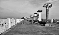 2 (roberke) Tags: pier architecture architectuur blankenberge westvlaanderen belgium belgie monochrome monochroom zwartwit blackwhite blackandwhite bw outdoor sky lucht wolken clouds beton concrete