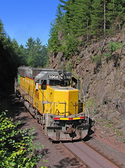 Short lived EMD Phase (GLC 392) Tags: hlcx 5968 helm leasing emd sd60 lake superior ishpeming lsi ge u30c 3008 eagle mills junction jct negaunee mi michigan rock cut railroad railway train 3 tilden