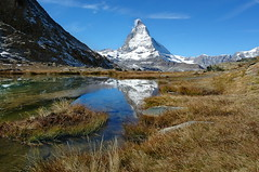 das Matterhorn (welenna) Tags: alpen autumn alps switzerland snow schwitzerland schnee sky see swiss stone view landscape lake light licht berge blue mountains mountain matterhorn water wasserspiegel wasser wallis relief reflection reflexion riffelsee gornergrat