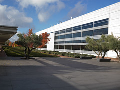 Así es nuestro Centro de Tecnología/ This is our Technology Center (Repsol) Tags: ctr tecnología centrodetecnología repsol innovación investigadores científicos