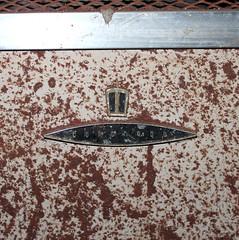 Coronado (plasticfootball) Tags: coronado rust appliance logo label abandoned carrollton illinois