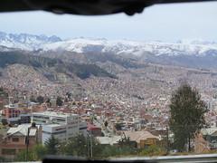 "La Paz sous la neige <a style=""margin-left:10px; font-size:0.8em;"" href=""http://www.flickr.com/photos/83080376@N03/20954459411/"" target=""_blank"">@flickr</a>"