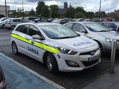 Hyundai - Garda Siochana - Irish Police Car -  Ennis, Ireland (firehouse.ie) Tags: ireland irish cars car garda cops force guard police vehicles civil national le vehicle law enforcement hyundai polizei patrol policia siochana