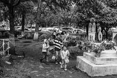 Tzintzuntzan (Xochitl_Moncada) Tags: kids dayofthedead cemetary diadelosmuertos ofrendas tzintzuntzan