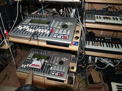 LP158649 (LoxPix2) Tags: boss music studio guitar fender synth roland korg yamaha emu gibson akai novation alesis kawai maudio behringer kurzweil teisco ensoniq tapco rogerlinn loxpix